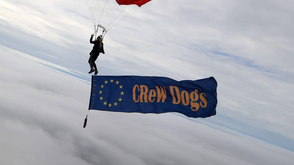 CReW dogs Banner